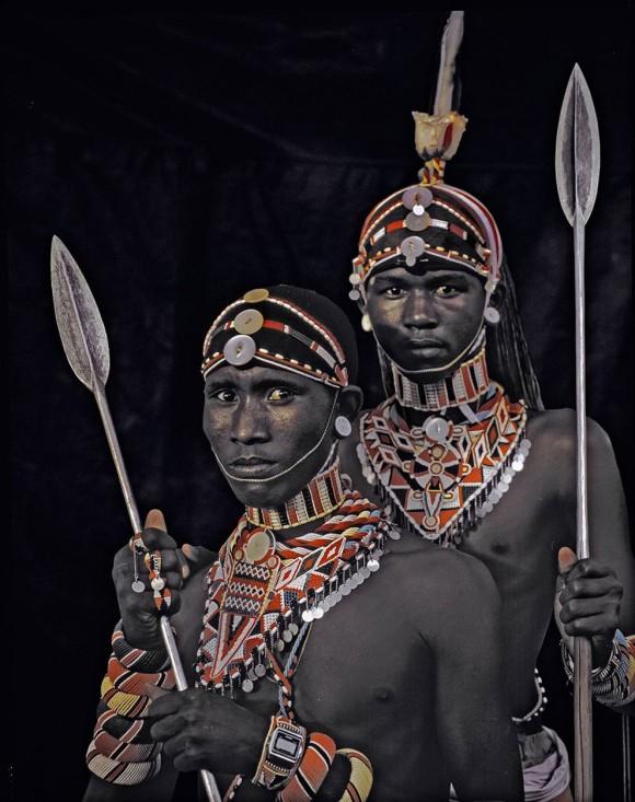 サンブル族(ケニアおよびタンザニア)の民族衣装
