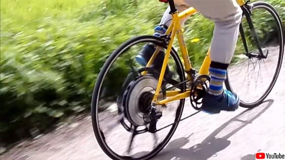 バッテリー不要。乗る人の体重をアシスト機能に変換する世界初の自転車が登場