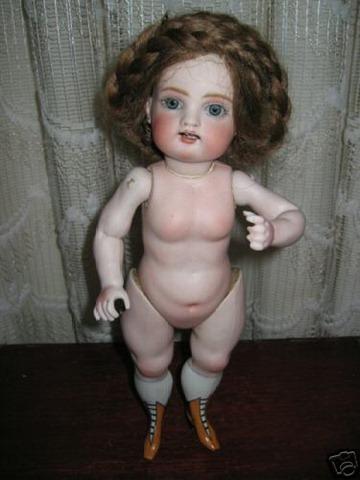 very_Weird_doll