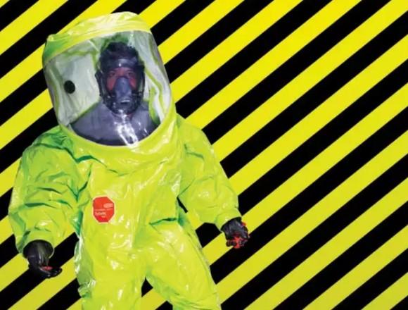 VXガスなどの有毒ガスから身を守ってくれる世界最強クラスの化学防護服「タイケム10000」