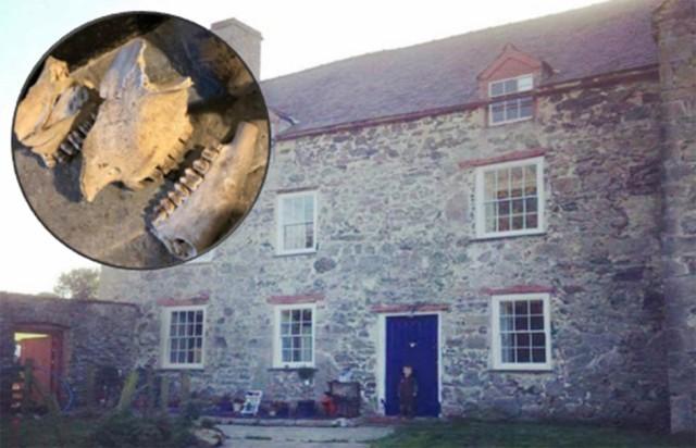 中世の古い家で見つかった魔術用隠し部屋(イギリス)