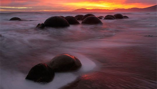 boulders_from_out_640_12