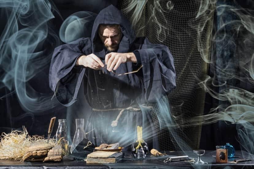 賢者の石の製作者、ニコラ・フラメルの奇妙な物語