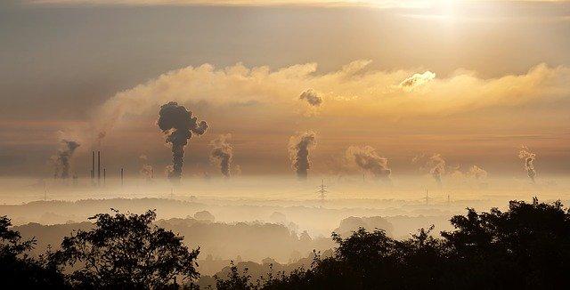 産業活動で排出される汚染物質