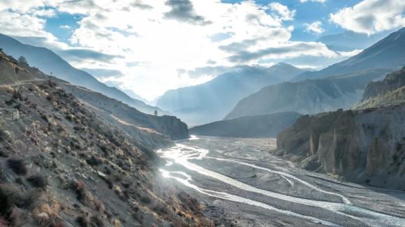 ヒマラヤの氷河から解け出しつつある数十年来の汚染物質