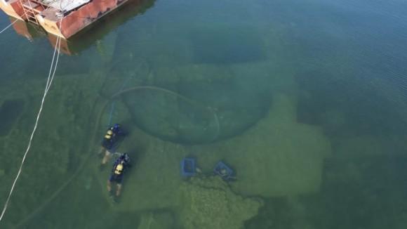 トルコの湖底に眠る古代教会遺跡。その下には秘密の異教徒の神殿が?