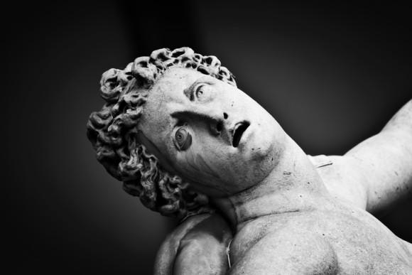 現代にも通じるのか? 古代ローマで使用していた呪いの石板、7つの呪い