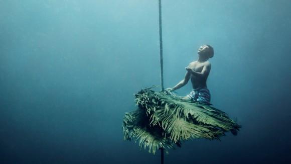 イルカの目を持つ人間の子どもたち。日々の大半を水中で暮らす海の遊牧民、モーケン族(タイ)