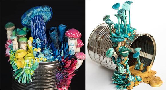 空き缶にキノコを繁殖させましょう!容器を媒体に見立て菌や花を繁殖させた粘土アート