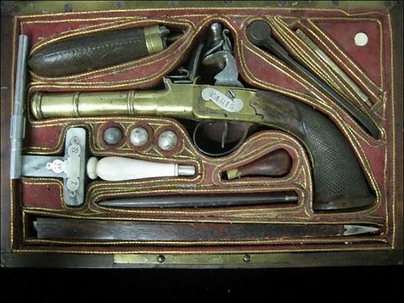 real_vintage_vampire_killing_kits_640_28_e0