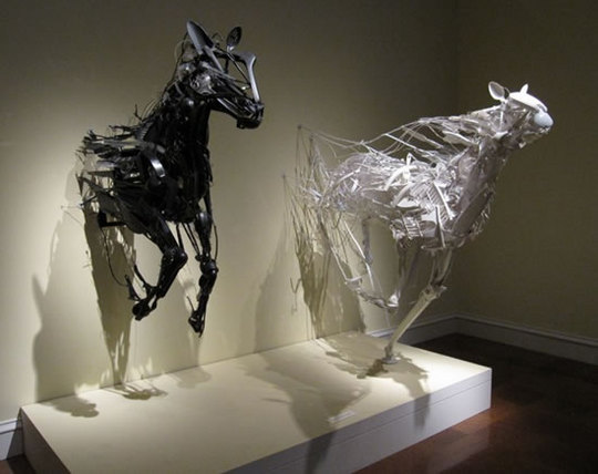recycled-plastic-sculptures15