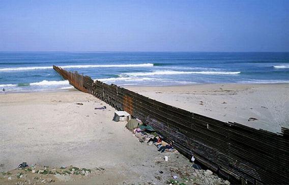 the_border_between_640_04