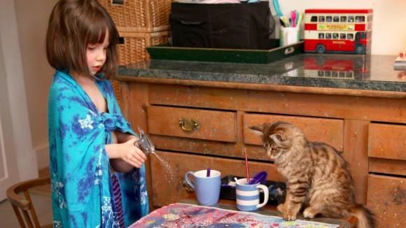 一匹の猫が彼女の人生を大きく変えた。 自閉症の少女と猫の物語