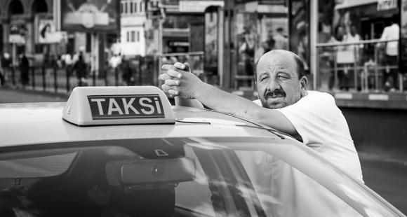 公共の場で使ったら罰金。かつてトルコで「Q」と「W」と「X」は禁止された違法文字だった