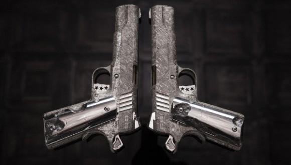 世界初、4億5千万年前の隕石から作られた実際に作動する銃