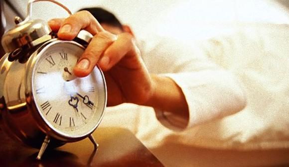 1日1時間でも睡眠時間が減るとその分食べる量が増え、結果的に太る(米研究)