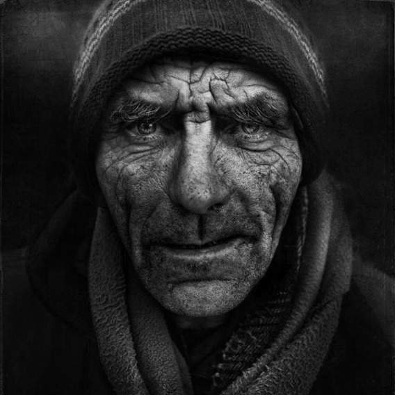 amazing_black_and_white_photos_of_the_homeless_640_16