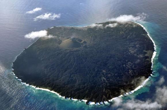 ついに12倍に!海外でも注目されている西之島新島の最近の様子
