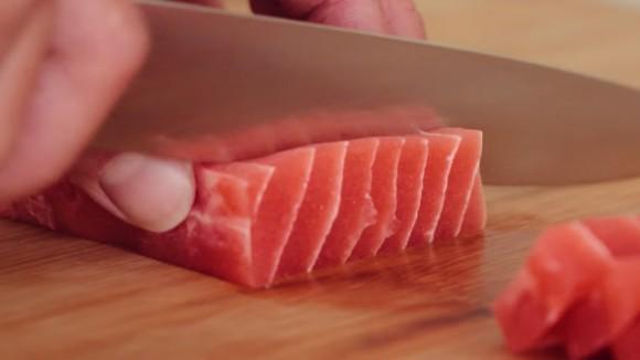 見た目も味も超リアル!マグロとサーモンの刺身そっくりなベジタリアン向け商品が登場していた(オランダ)