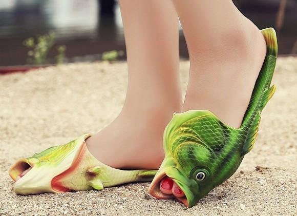 魚好きのファッショニスタならマストハブ。つま先でエラ呼吸できそうな「お魚サンダル」がナウオンセール!