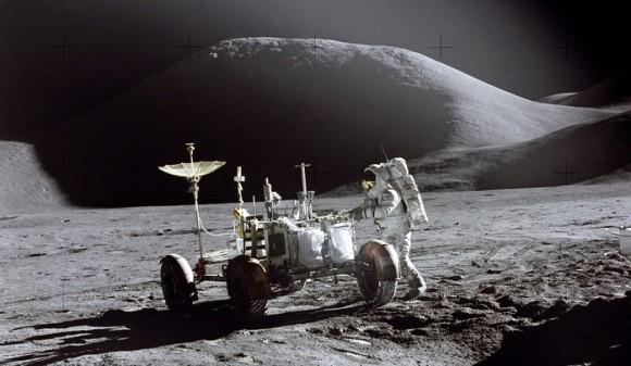 史上初の月面着陸をしたアポロ11号は宇宙人の活動拠点を見つけていた?音声テープに残されていた不可解な記録