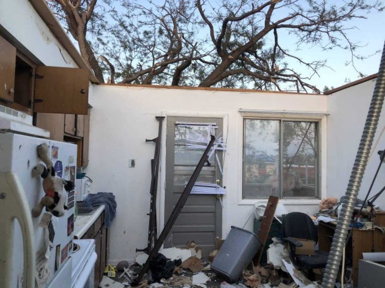 暴風雨デレチョに襲われた災害現場