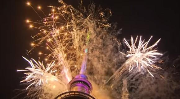 2018年を祝う、世界12か所の花火と光のニューイヤーイベント