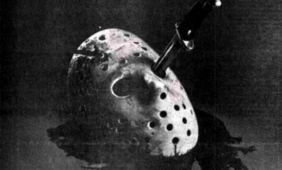 1980年代のB級恐怖映画の新聞広告はモノクロだから恐怖度アップ