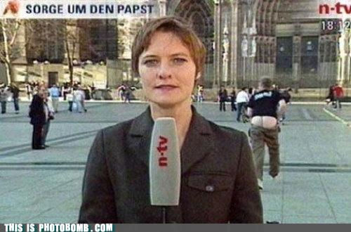 photobomb-that-guy-mooned-news