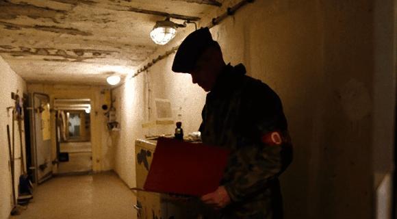 旧東ドイツの軍人として緊張感溢れる体験ができる、バンカー(地下壕)ホテル