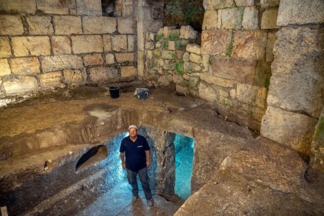 嘆きの壁付近の地下室