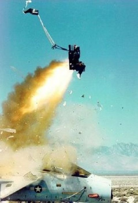 fascinating_pilots_ejections_640_high_23
