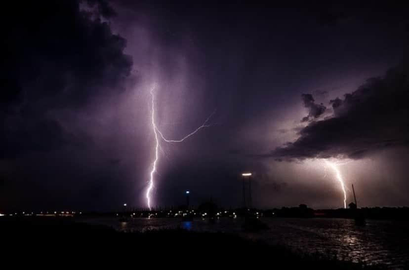lightning-1625550_640_e