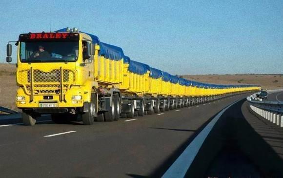 長ぁああああい!でも貨物列車じゃないよ。オーストラリアのトラック「ロードトレイン」の長さが想像を絶っしすぎて失神