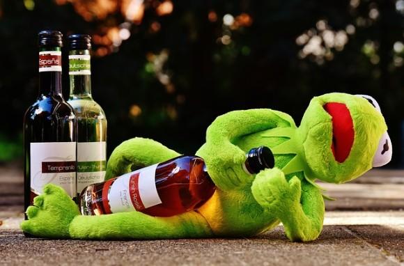 もう飲まずにいられるかも。脳の免疫系に作用してアルコールへの欲求を抑制する薬が開発される(オーストラリア研究)