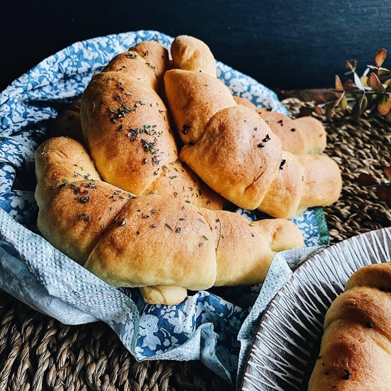 スロバキアのロールパン「ロシュキー」の作り方