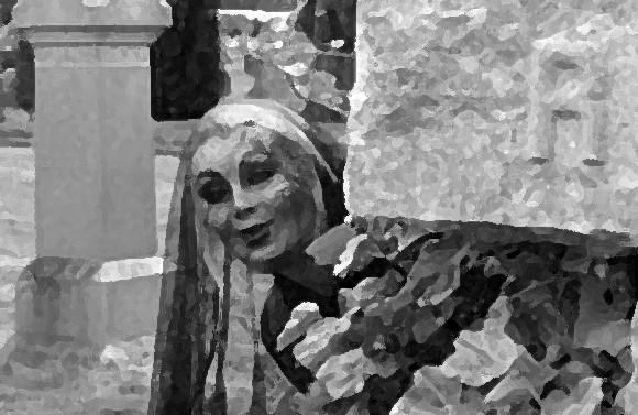 なぜそこにそれを置いたし。ホラー炸裂、墓地で見つけた恐怖の彫刻の数々(閲覧注意)