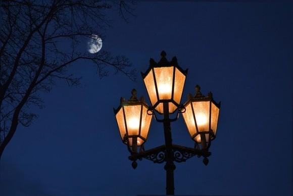 street-lamp-4668310_640_e