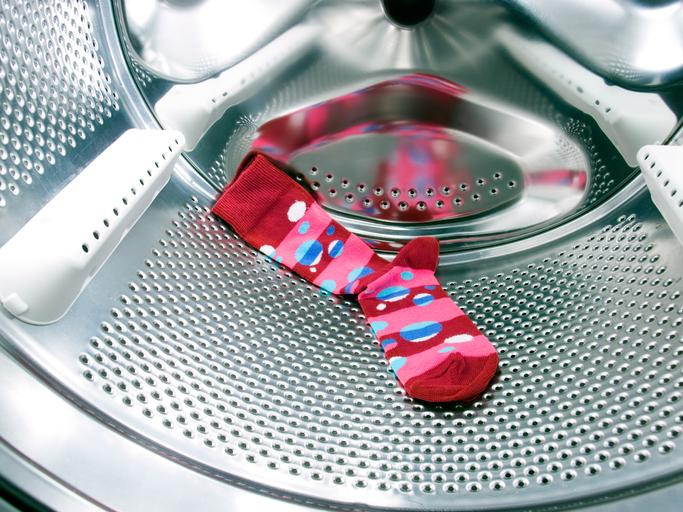 靴下が片方になる謎現象を科学で説明
