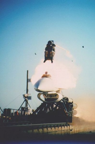 fascinating_pilots_ejections_640_06