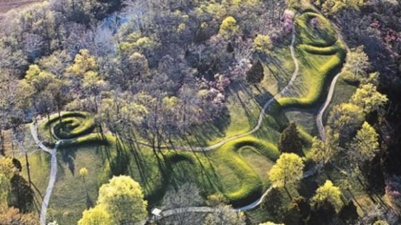 オハイオ州のヘビのような形象墳「サーペント・マウンド」に響く謎の怪音