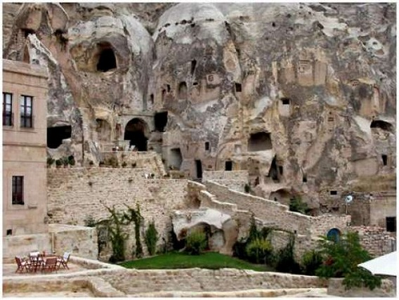 a_cave_hotel_640_16