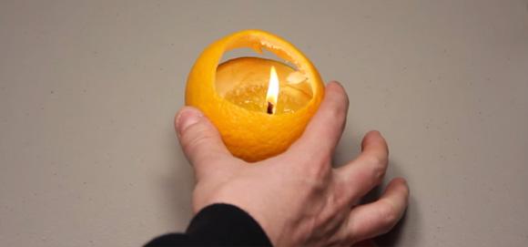 【ライフハック】覚えていて損はない。1分で完成するオレンジを使ったランプの作り方