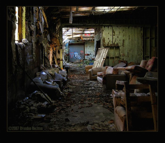 urban_decay_photography_28