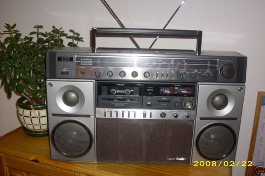 old_school_boomboxes_09