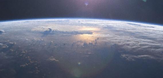 スリランカに落下した隕石に付着していた藻類は地球外生命体の可能性?(英研究)