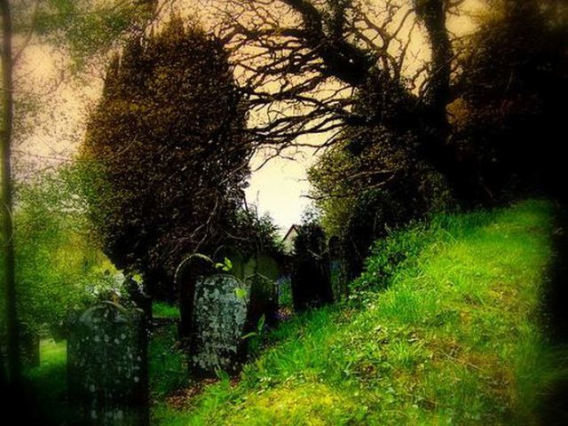 graveyard_scenes_640_17