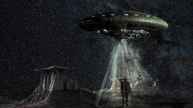 世にも奇妙なエイリアン物語。宇宙人に選ばれ、使命を与えられた2人男性が行方不明に