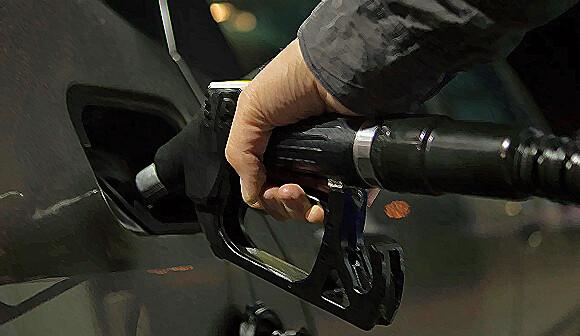 イギリスでガソリン車とディーゼル車の販売を2030年までに禁止に。ハイブリッド車は2035年まで