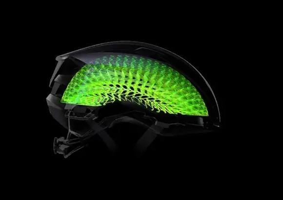 脳の保護液の作用を模倣。革新的な自転車用ヘルメットが誕生